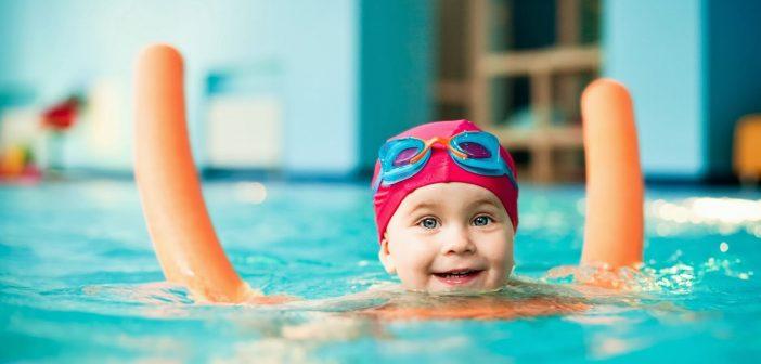آشنا کردن کودک با شنا